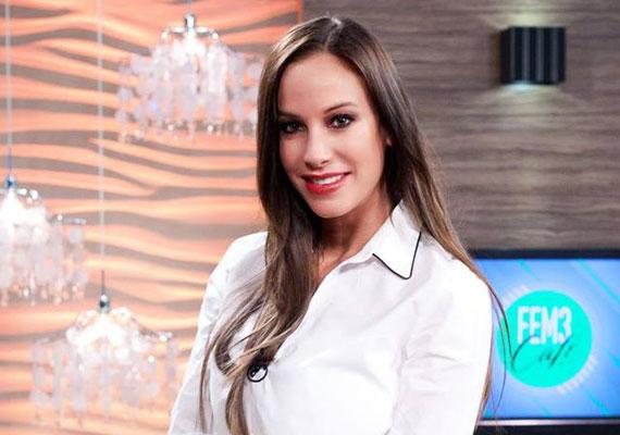 Vajna Tímea áprilisban vezette egy hétig a FEM3 Cafét Váczi Gergővel, akinek abban nagy segítségére volt a hazai sztárhölgyeket illetően.