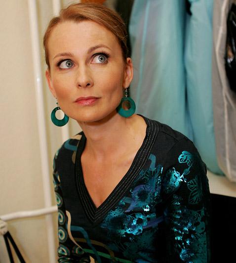 Ruttkay Laura  Népszerű szinkronszínésznőnk a Beugró Plusz egykori sztárjaként 11 év színházi múlttal a háta mögött improvizációs képességeiről is tanúbizonyságot tett.
