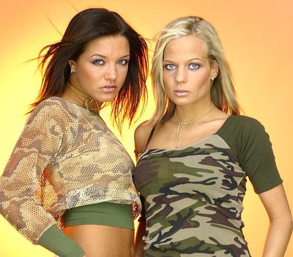 2003-ban a 24 éves Wiki és a 21 éves Andi az akkor divatos military stílust vették át az öltözködésükben, az is látható, hogy 11 éve is trendi volt a hasvillantós crop top is, ami manapság ismét reneszánszát éli. Ebben az évben forgatták le a klipet az Utolsó tangó című dalukhoz Horvátországban.