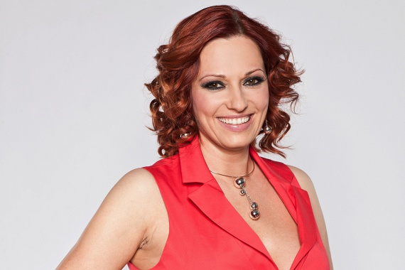 Gaál Noémi 1997-től a TV2 időjárás-jelentője. A csinos tévést a nézők vörös hajjal szokták meg.