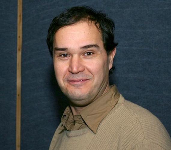 Az 53 éves Kerekes József, aki olyan sztároknak adja a magyar hangját, mint Jim Carrey, Will Ferrell vagy Peter Griffin a Family Guy című sorozatból, három lány, Nóri, Fanni, a második házasságából született Luca, valamint egy kisfiú, a 2013 őszén született Ábel édesapja.