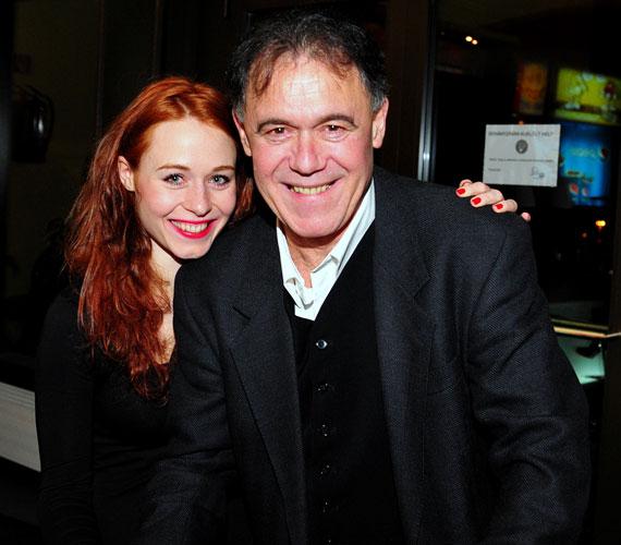 Édesapjával, Gáspár Sándor színésszel 2010 decemberében, az Üvegtigris 3 díszbemutatóján.