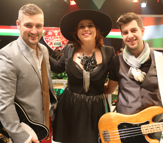 Gitano Nagy Lacihoz és Heilig Tamáshoz a vasárnapi adásban Hernádi Judit lánya, a Honeybeast énekesnője, Tarján Zsófia is csatlakozott.