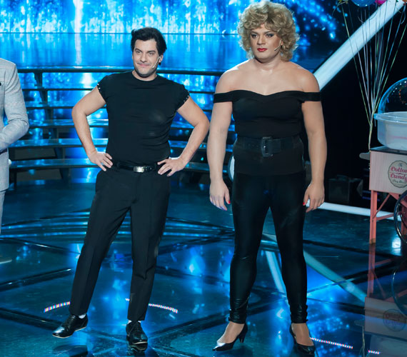 Kökény Attila és Gáspár Laci elképesztő produkciója John Travolta és Olivia Newton-John bőrébe bújva. A Grease című musical You're the One That I Want című számával léptek színpadra.