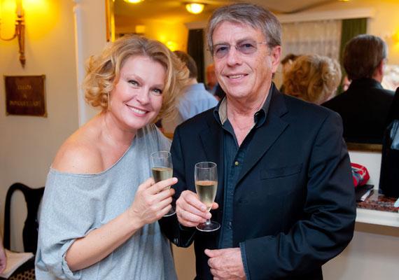 Hegyi Barbara színésznő és az énekes-dalszerző Zorán között 24 év a korkülönbség. 2002-ben találtak egymásra, majd két évvel később összeházasodtak.