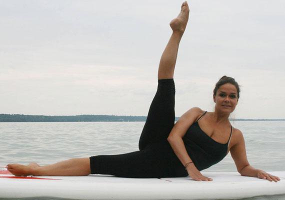 Geszler Dorottya remek formában van, a teste 45 évesen is ruganyos és feszes.