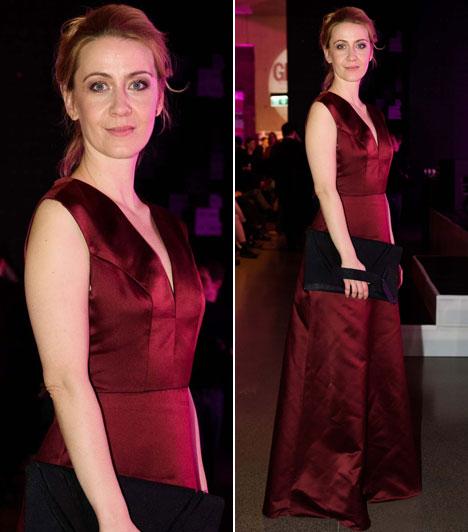 Balsai Móni                         A Liza, a rókatündér című filmmel több díjat is nyert színésznő egy bordó estélyiben nyűgözte le a közönséget.