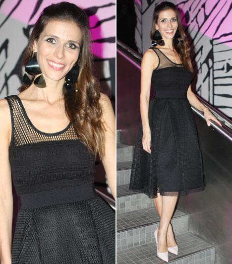 Szekeres NóraA TV2 képernyőse a díjkiosztó utáni partin már ebben a fekete, csipkés ruhában volt látható.