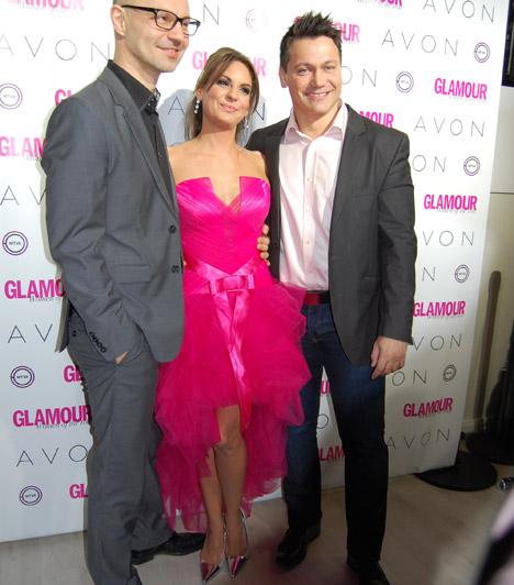 Kiss OrsiA Class FM műsorvezetője, Kiso egy pink Halázs Éva ruhában érkezett kollégái, Garami Gábor és Kovács Áron társaságában.