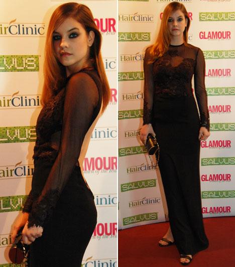Palvin BarbiA Glamour-gálán már többször is díjazott világhírű modell egy áttetsző, csipkével díszített, fekete estélyiben jelent meg az esten.
