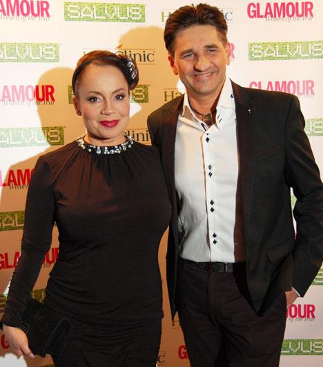 Csisztu Zsuzsa és férje  A Digi Sport műsorvezetője a 2015-ös Glamour-gálára férjével, Ketskés Norberttel érkezett, akivel lassan tíz éve élnek boldog házasságban.