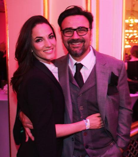 Debreczeni Zita és GianniGianni Annoni, egykori műsorvezető, étteremtulajdonos és Debreczeni Zita modellből lett fotós a 2015-ös Glamour-gálán vállalta fel először, hogy egy párt alkotnak.