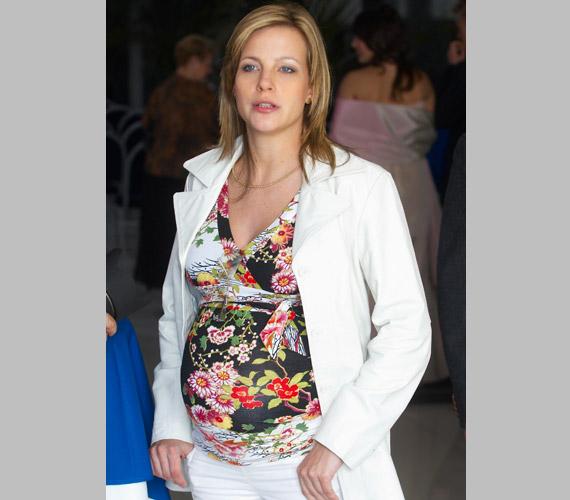 Várkonyi Andrea, a Tények híradósa 2007 áprilisában adott életet lányának, Nórinak, a kislány édesapja Bochkor Gábor.