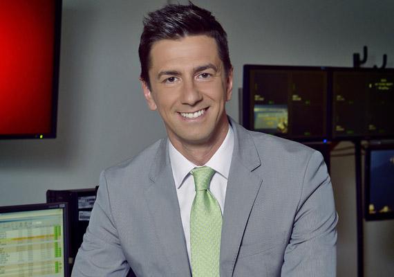 Rábai Balázs 2007 februárjában hagyta ott az M1 képernyőjét, hogy a Kossuth Rádió 180 perc című hírműsorát vezethesse. 2012 októberében az RTL II híradósaként került ismét képernyőre.