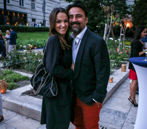 A parti szerelmes sztárpárja Gianni és Debreczeni Zita volt, akik szinte el sem engedték egymás kezét az este folyamán.