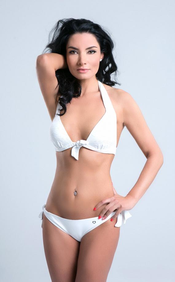Gregor Bernadett egy bikinis fotózáson mutatta meg irigylésre méltó alakját. Azt is elárulta, ez volt az utolsó alkalom, hogy ennyire levetkőzött.
