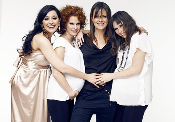 Gryllus Dorka és Dobó Kata mellett egy harmadik színésznő, Kecskés Karina is első gyermekét várta 2012 februárjában.