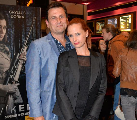 Dobó Kata színésznő szerelmével, Anger Zsolttal tette tiszteletét a premieren.