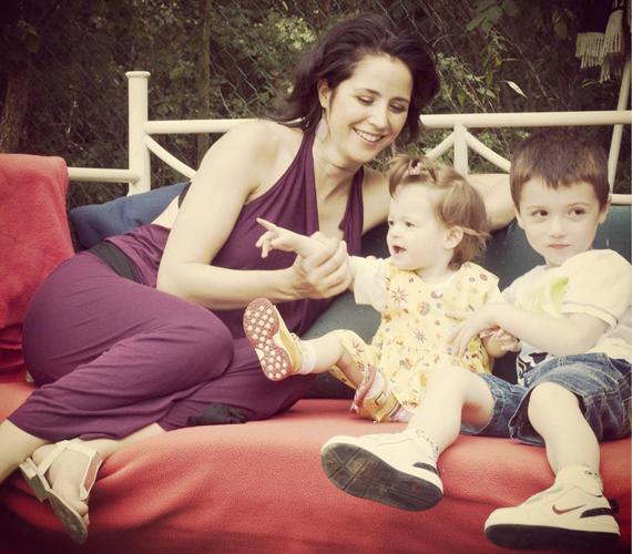 A színésznő szerető családban él. Kisfia, Attila 2007-ben született, lánya, Anna 2011-ben látta meg a napvilágot.