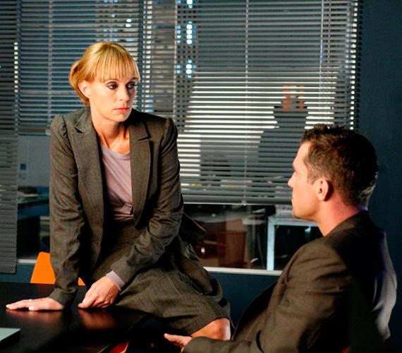 A Hacktion című sorozatban az akciójelenetek mellett szerelmi szálak is bonyolódnak, így Gubík Ági és Hujber Ferenc karakterei között is.