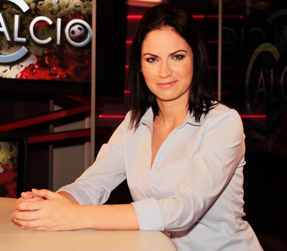 Konta Barbarát 1998 és 2003 között a Barátok közt Hoffer Esztereként ismerte az ország. Ezt követően a konkurens csatorna, a TV2 reggeli műsorához szerződött, majd rövid ideig egy délutáni talkshow-t vezetett. 2013 nyarán a SportKlubon tért vissza a tévézéshez.