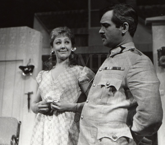 Örkény István Tóték című darabját 1967. február 24-én mutatták be a Thália Színházban. Hacser Józsa Ágika, Latinovits Zoltán az őrnagy szerepében brillírozott.