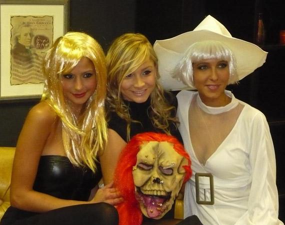 A szépségkirálynők ezúttal boszorkaként pózoltak a kamerának.