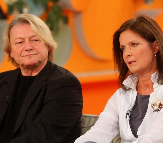 A házaspár nagyobbik lánya színésznőnek készült, jelenleg Ausztriában él.