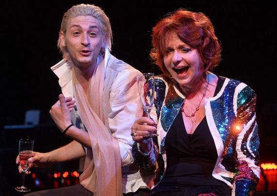 Hernádi Judit élvezte a Rózsavölgyi Szalon új darabjának minden percét. Romain Gary Salamon király szorong című darabjának csütörtökön tartották a hazai ősbemutatóját.