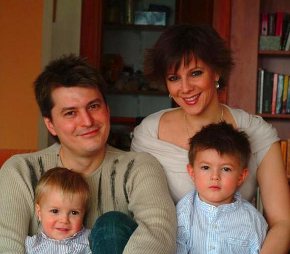 A sztárpárnak két gyermeke van: Zsombor hat-, Bulcsú pedig négyesztendős.