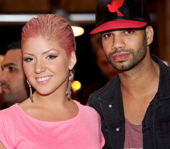 2013 nyarán Tolvai Reni keltette a legnagyobb feltűnést a Class FM buliján. Az énekesnő saját bevallása szerint csajos és nagyon nyárias külsővel szeretett volna megjelenni, ezért döntött a rózsaszín haj mellett.