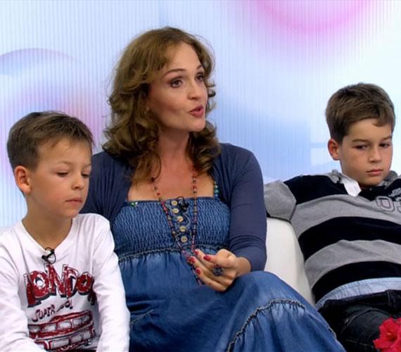 A 26 évesen már Jászai Mari-díjjal kitüntetett Horváth Lili két kisfia, Ádám és Áron után január végén egy kislányt hozott világra.