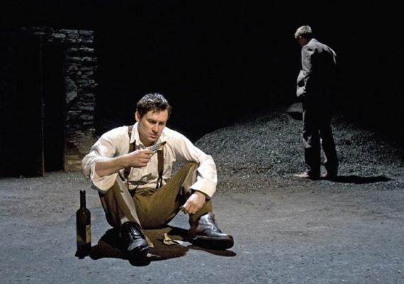 Az Édentől keletre című színdarabban Calebet játszotta, a John Steinbeck regényéből készült drámát Spiró György alkalmazta színpadra.