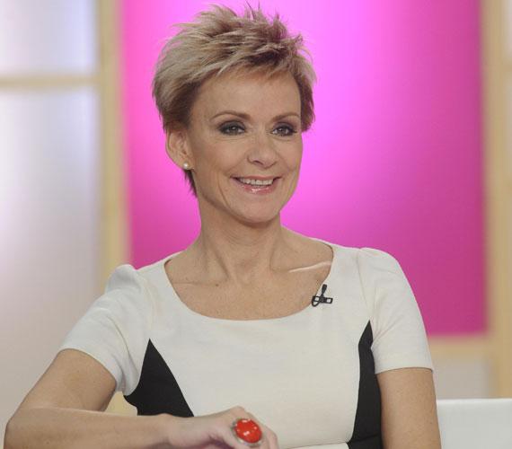Jakupcsek Gabriella szintén két fiú után, 45 évesen adott életet harmadik gyermekének. A műsorvezető kislánya 2008. november 30-án az Emma Róza nevet kapta.