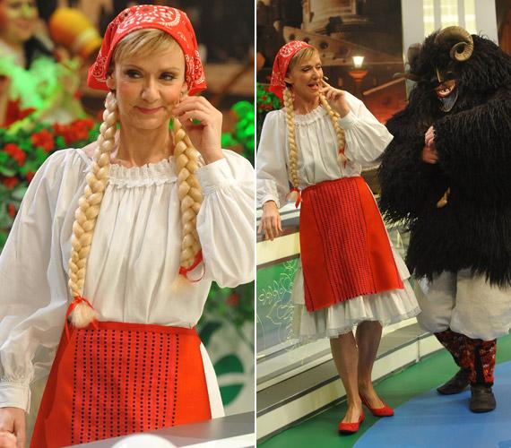 Jakupcsek Gabriella a Magyarország, szeretlek! című műsorban mindig kapható egy kis bolondozásra, de így még nem láthattuk. Vajon kit rejt a busójelmez?