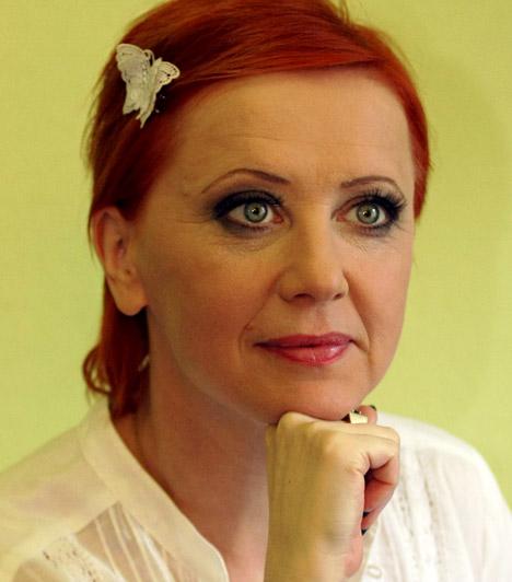 Eszenyi Enikő  Hazánk egyik legsikeresebb színésznője rendezőként is kipróbálhatta magát, 2010-ben pedig ő lett a Vígszínház igazgatója. Eszenyi Enikő 1961. január 11-én született.  Kapcsolódó sztárlexikon: Ilyen volt, ilyen lett: Eszenyi Enikő »