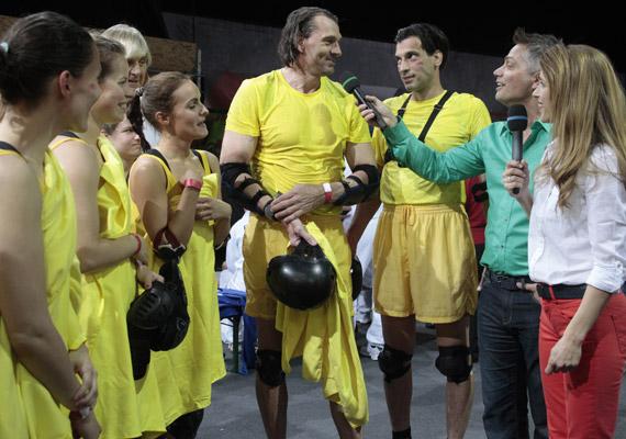 A 12 fős magyar csapatban - amelynek színe ezúttal is a sárga lesz - olyan sztárok is helyet kaptak, mint a képen látható Pulai Imre olimpia bajnok kenus.