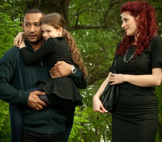 Józsi a jelek szerint hiába reménykedik abban, hogy megtalálja Verát. A makacs orvos Orsi hatására visszatalál a családjához, és úgy tűnik, hajlandó méltón búcsút venni szerelmétől.