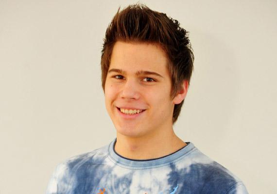 Ripka Kálmán öt év után szállt ki a TV2 napi sorozatából. A 20 éves fiatalember a Halász család kisebbik fiát, Gergőt alakította, és a forgatókönyv szerint külföldre utazik.