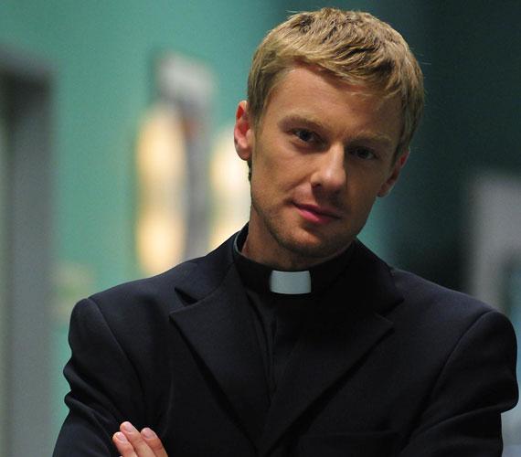 Megnyugodhatnak Száraz Dénes rajongói, ugyanis Tamás atya közkívánatra visszatér a sorozatba. Már csak az a kérdés, miként.
