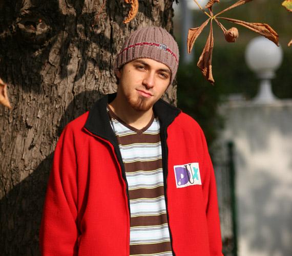 Torres Dani a forgatókönyv szerint klipet forgatni érkezett a sorozatba.