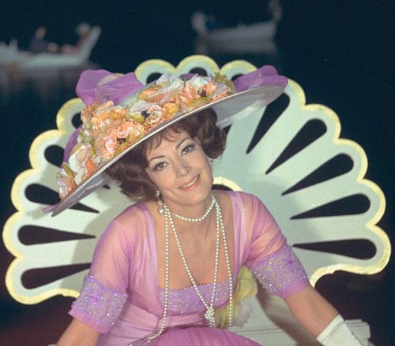 Az '50-es és '60-as évek ünnepelt amerikai operacsillaga, Anna Moffo, aki 2006-ban, 73 éves korában hunyt el a Csárdáskirálynő film változatában alakította Szilviát. Az 1971-es NSZK-magyar-osztrák operettfilmet Szinetár Miklós rendezte.