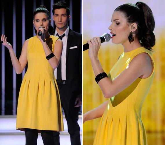 Agárdi Szilvia is lecserélte az első elődöntőben viselt fehér ruháját: a tavasz hírnökeként egy citromsárga színű darabot öltött magára, fekete kiegészítőkkel.