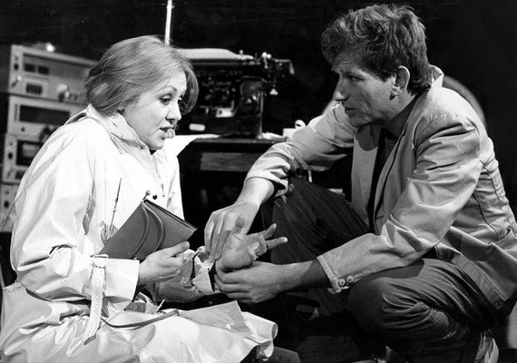 Halász Judittal a Játszd újra, Sam!-ben. A romantikus vígjátékot 1983. november 7-én mutatták be a Vígszínházban.