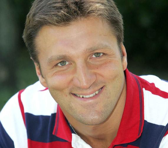 Dr. Kiss Gergely a karácsony előtti időszakban a Bajnokok Ligája csoportmeccsei során kétszer is játszik csapatával a Szeged ellen.