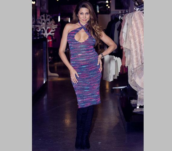 Horváth Éva buliba ajánlotta a képen látható ruhát, de a többséget nem az érdekelte, mi van rajta, hanem hogy milyen dögösen néz ki benne.