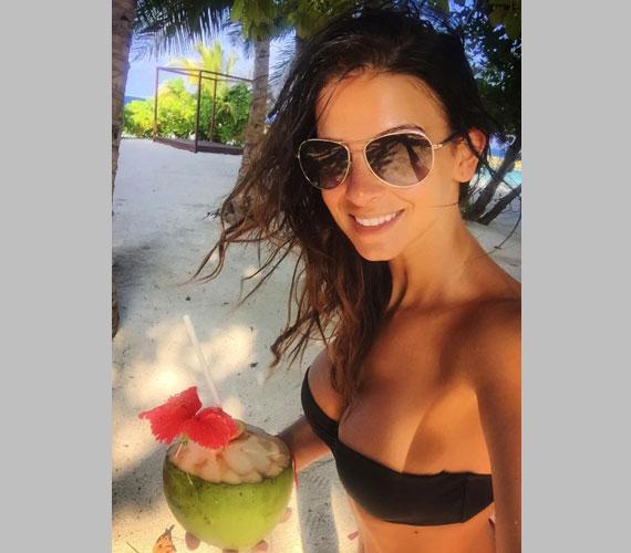 Nem sokakat érdekelt, hogyan érzi magát Sarka Kata a Maldív-szigeteken, amikor szexi bikinis fotót tett fel magáról a közösségi oldalára.