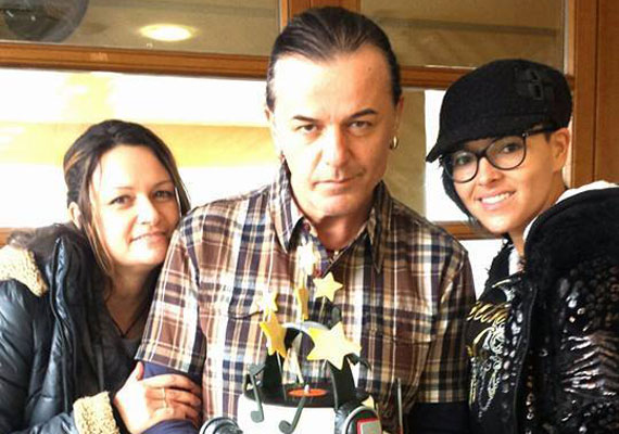 Február 9-én, hétfőn ünnepelte kereken 50. születésnapját Kozso, az Ámokfutók zenekar énekese. Az ünneplésről megosztott fotóin jól látszik, mennyire lefogyott.