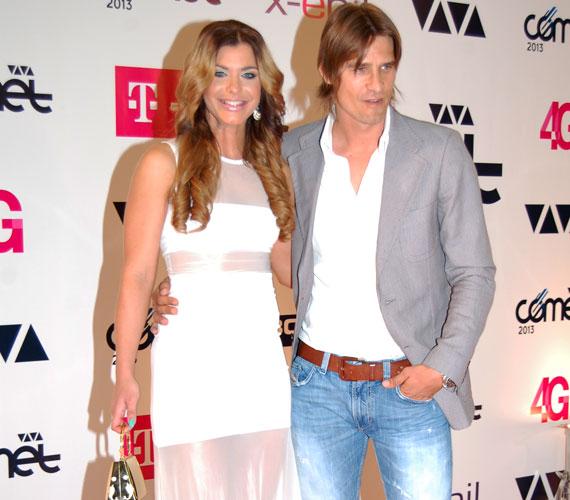Dér Heni, a Sugarloaf együttes nemrég szólóban is debütált énekesnője párjával, a volt focista Vincze Gáborral vett részt a gálán.