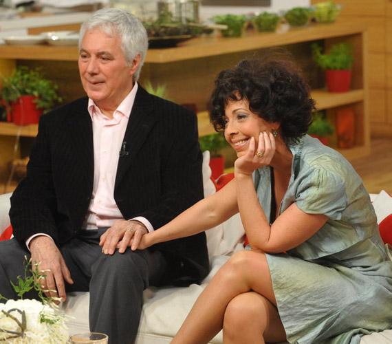 A műsorba felesége, Sajgál Erika színésznő kísérte el, akit láthattunk a Szomszédok, a Patika, az Éretlenek és a Kisváros című sorozatokban. Kovács István három gyerek édesapja: Zsófia 1974-ben, Dániel 1976-ban, Domonkos 1999-ben született.